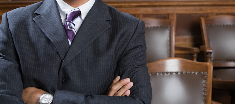 Should I Hire a Criminal Defense Lawyer Near Me?